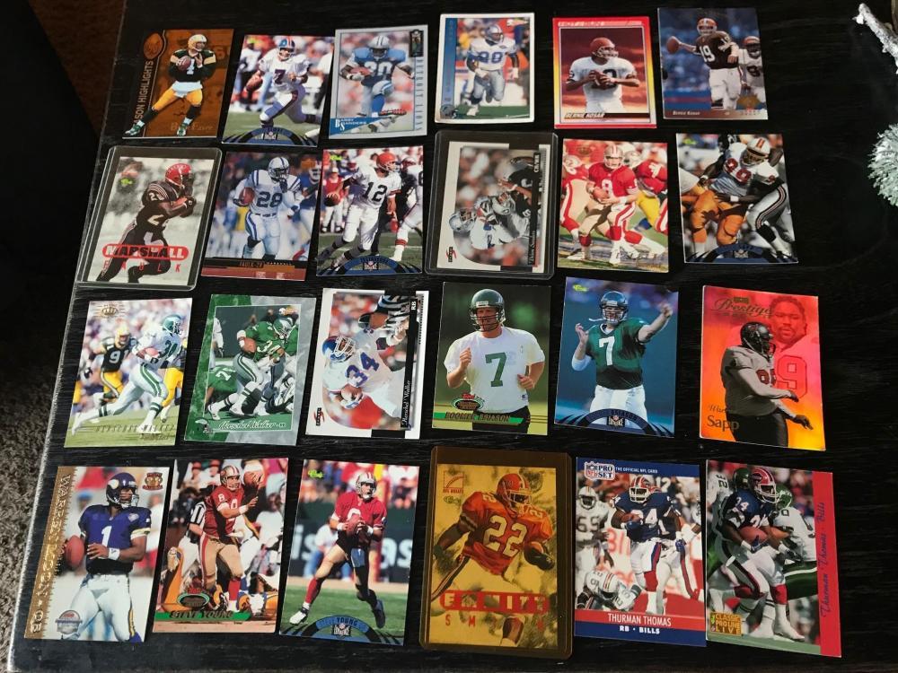 2072019983_footballcards.thumb.jpg.0adb04314e4d5af0e79aae63a49a1b44.jpg